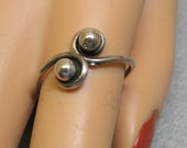 Size 8, Vintage Sterling Silver Bypass Ring