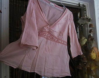 Dusty Rose Top, with Hand Made Embroidery, Zippered Side Seam, 7/8 Length Sleeves and Bow Knotted Bands, Vintage - Medium