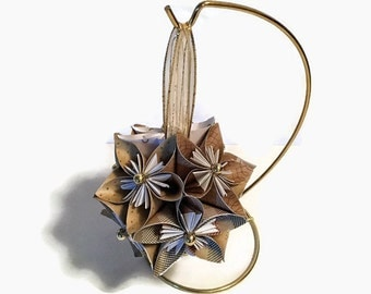 Kusudama Flower Ornament, Paper Ornament, Christmas Neutral Color Ornament, Holiday Ornament, Holiday Decor, Christmas Decor