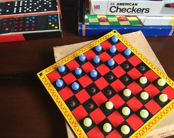 Vintage 1940s Travel Checkers Game - Pop 'n Checkers