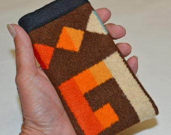 iPhone SE 5 5s Sleeve - handcrafted of Native American Wool fabric - Simple wool iPhone sleeve cover case - brown southwestern