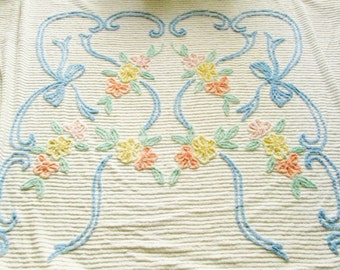 Vintage Chenille Bedspread with Flowers, Full