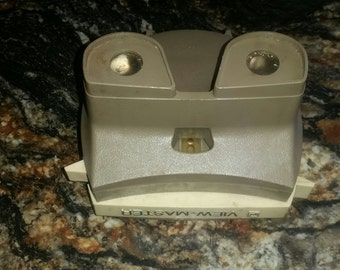 Vintage GAF Viewmaster Lighted Viewer from the 50's Works