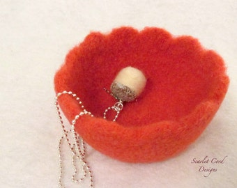 Felted Bowl, Felted Wool Bowl with scalloped edge, Crochet Wool Container
