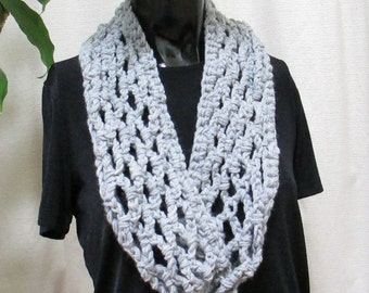 Infinity Scarf, Gray Scarf, Cowl, Circle Scarf, Double Wrap Design Orginal 29994