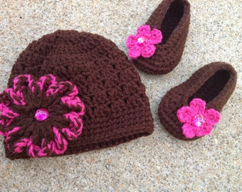 Baby booties and hat set coffe chocolate hot pink 0-6 month READY TO SHIP Photo Prop newborn take home