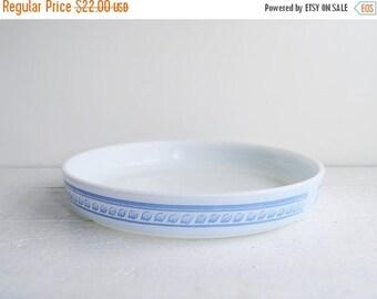 SALE Vintage Pyrex Brittany Blue Round Tart Pan - Quiche Dish - Baking Dish