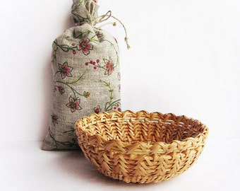 Woven basket Wicker plate Rustic table decor Nature home decor Eco friendly gift Egg storage basket
