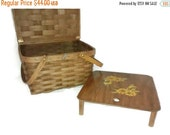 Valentine SALE Large Mid Century Picnic Basket , Matching Table / tray , Painted daisy , Rindge Baskets , New Hampshire