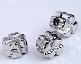 Clover stopper beads
