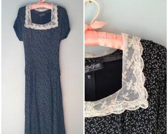 Modest dress size small