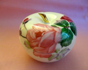 """Vintage Jewelry/trinket Box with Lid  - White porcelain, shaped like an Apple, Large Pink Roses with leaves, Gold stem, """"Made In Japan"""""""