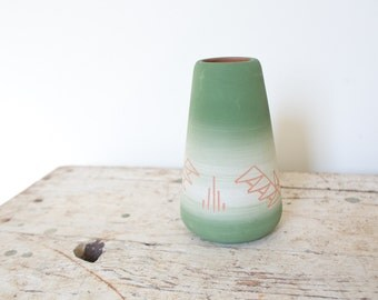 Vintage Vase Pottery - Green Pink Design Pottery Handmade Vintage Vase Indian Native American Nemadji
