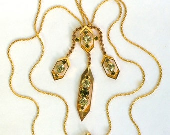 Mid Century Pendant Necklace Green and Gold