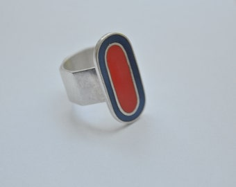 CANADIAN Enamel and Modernist Sterling Silver Large Hallmarked Ring