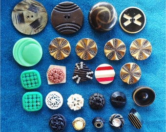 25 Vintage Buttons