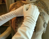 Vintage White Kid Leather Gloves / Long White Leather Evening Gloves / Sacs Fifth Avenue / Roger Fare / Washable