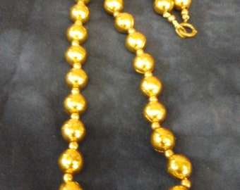 Vintag 1950s gold hollow bead costume brass  necklace