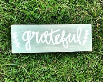 Grateful sign - aqua and white grateful sign