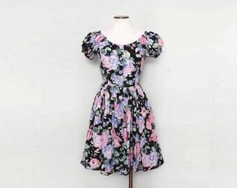 SALE 50s Style Dress. Fit and Flare Dress. Off the Shoulder Dress. Floral Feminine Dress. Knee Length Dress. Small Medium. 1980s Dress.