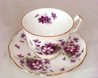 FALL SALE Aynsley VIOLETTE Tea Cup and Saucer - Vintage English Bone China - Glowing Gold Gilt - Created in England