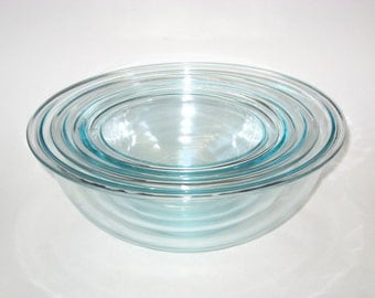 Pyrex Complete Set of 4 Nesting Mixing Bowls Clear Blue Glass Wide Rim  - #s 326 325 323 322 -XLNT