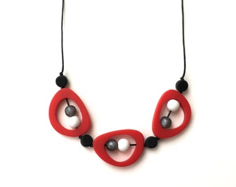 Breastfeeding Necklace Nursing Beads - Breastfeeding Jewellery - Troika -  High Contrast Nursing Necklace - Red, Grey, Black, White