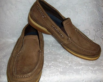 Vintage Men's Brown Nubuck Leather Slip On Boat Deck Shoes by Croft & Barrow Size 11 Only 5 USD