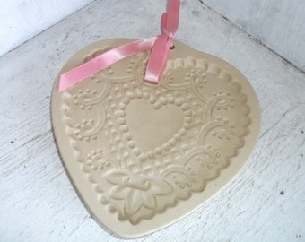 1992 Brown Bag Heart Shaped Cookie Craft Stoneware Mold Vintage