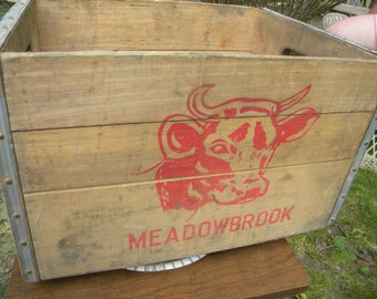 rare great shape vintage antique wood wooden MEADOWBROOK FARMS BRONX ny new york city milk bottle cow box crate