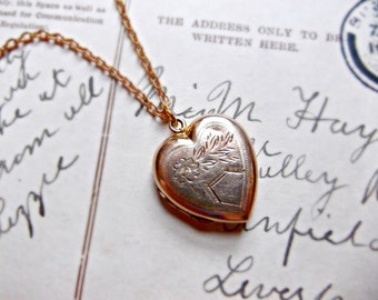 Vintage 9ct Gold Floral Heart Locket