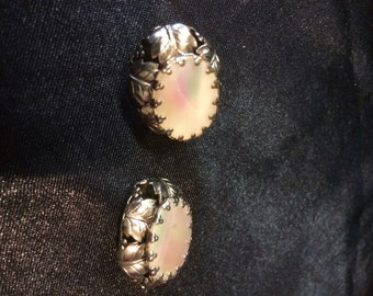 Antique Shell clip on earrings