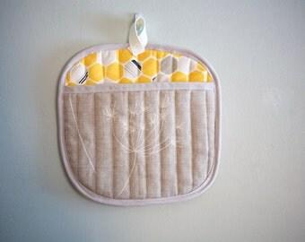 yellow gray honeycomb screenprinted oven mitt potholder kitchenware under50