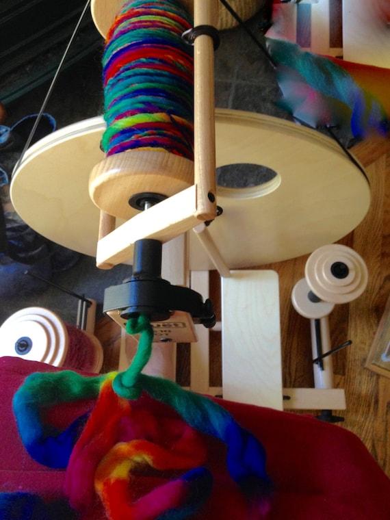 louet classic s10 spinning wheel double treadle irish. Black Bedroom Furniture Sets. Home Design Ideas