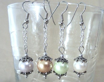 Colored Pearls on Silver Chain Earrings, Simple Pearl Wedding Jewelry, Edgy Pearl Earrings, Colored Pearl Earrings, Bridesmaid Jewelry Gift