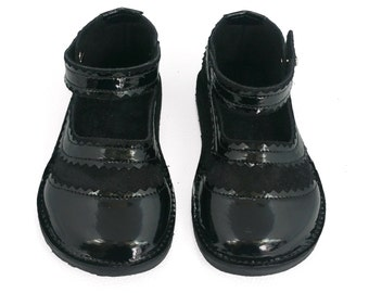 Black Patent Leather and Suede Mary Jane Children's Shoes.  Handmade leather girls shoes.  Toddler Shoes.