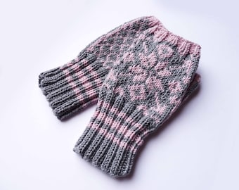 Fingerless Mittens - Traditional Norwegian Design // Selbu Style in Light Pink and Gray