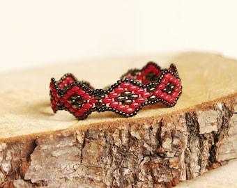 Evening Red. Beaded bracelet, superduo bracelet, iris brown, red, elegant jewelry, Christmas gift idea, two colour bangle, beadwok, beading