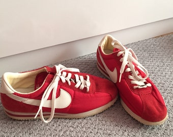 VINTAGE Retro Nike Red White Cortez '72 Cupid Classic Sneakers 70s 80s Size 9 Women's Halt & Catch Fire Dazed and Confused Halloween camp