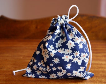 Fresh Daisy Fabric Small Gift Bag, Fully lined with a Ivory Satin Drawstring - Organic Fabric Zig Zag Navy and White