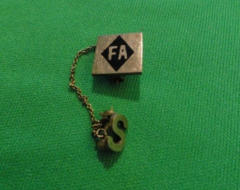 B312)  Vintage FA organization pin with letter S