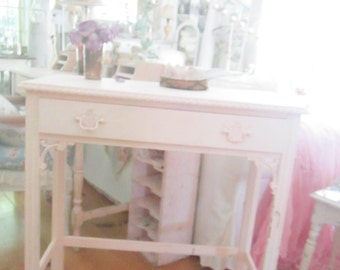 Chippy pink vintage table or desk  cottage romanticvintage shabby chic prairie