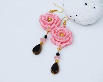 Crochet earring jewelry - Large crochet earring - Pink and black earrings - Textile Jewelry - Crochet flower