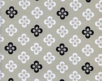 Black and White 2016 - Clover - Melody Miller for Cotton + Steel - (5065-1) - 1/2 Yard