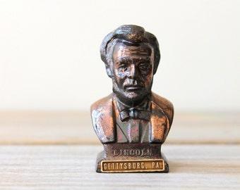 Vintage Lincoln miniature bust / Americana collectible decor / USA president / US Civil War / rustic desk decor / honest Abe mini statue