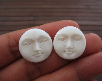 Pair of Top to bottom drill moon face, Beads ,20mm, buffalo bone,  Jewelry making supplies S6087