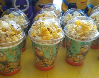 8 Minions popcorn boxes, containers, party favors with clear dome lid