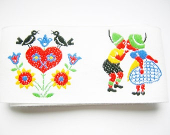 Lovely German VIntage Bavarian Trim with Kissing Boy and Girl, Hearts Flowers and Birds Restpiece Sewing supply Rustic Bavarian Folk Art
