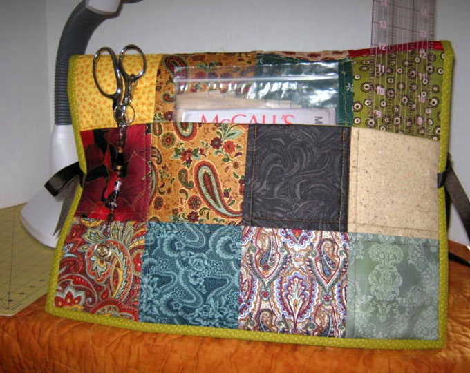 Scrappy Pockets Quilted Sewing Machine Dust Cover