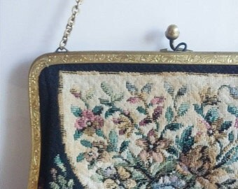 SALE Antique 1930s flapper clutch purse with embroidery